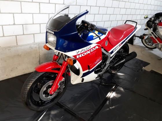 Honda VF 500 F2.02