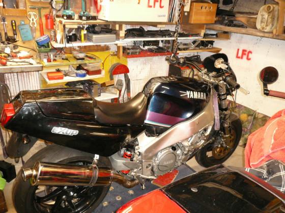 So nun mit 89ziger Rahmen und Thunderace Motor.