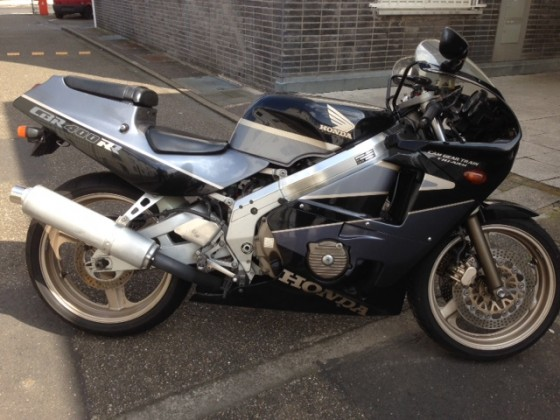 Honda CBR 400 RR NC23